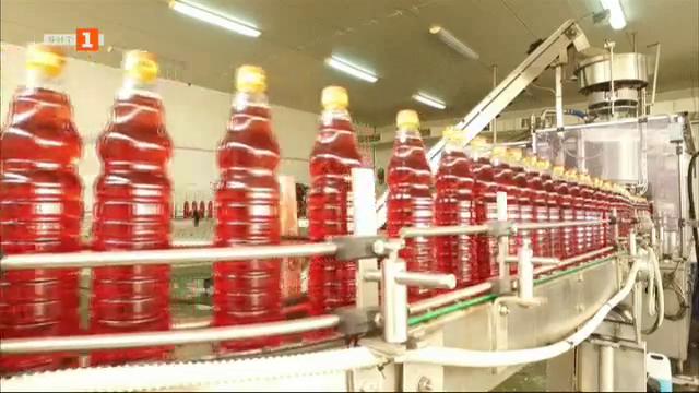 На гости в едно от най-големите предприятия за ябълков оцет на Балканите