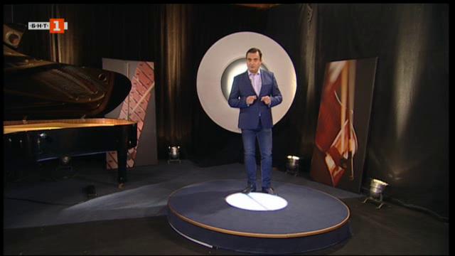 Маестро Григор Паликаров дирижира 16 пианисти