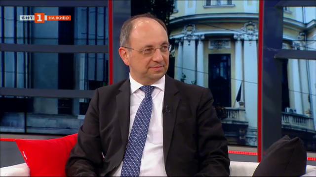 Николай Василев: Най-тежките поражения от коронавируса са в човешки план