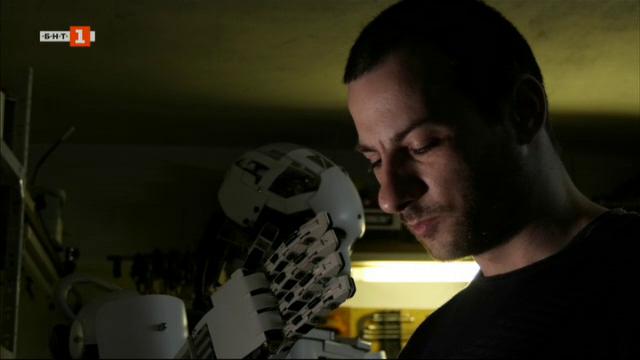 Историята на Росен и робота Роки