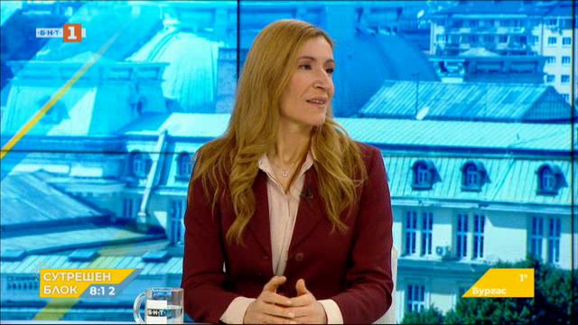 Министър Ангелкова: Заради коронавируса ситуацията в туризма е тежка и тревожна