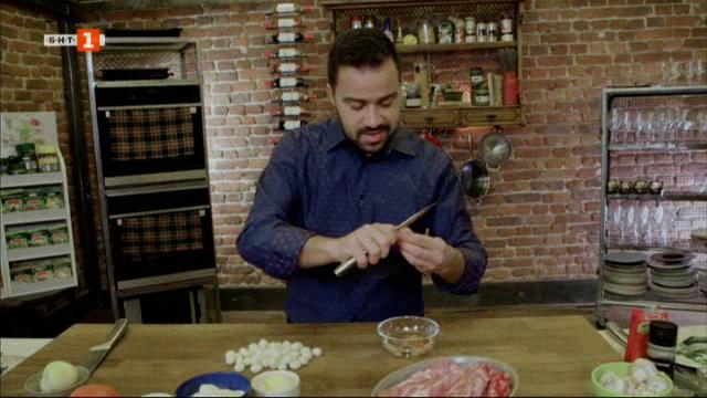 Попска яхния с пържоли и френски палачинки с ванилов крем
