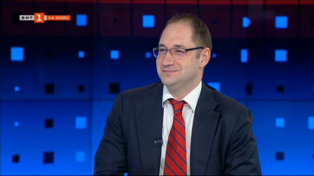 Георги Ангелов, икономист: Струва ми се, че сме минали най-лошото