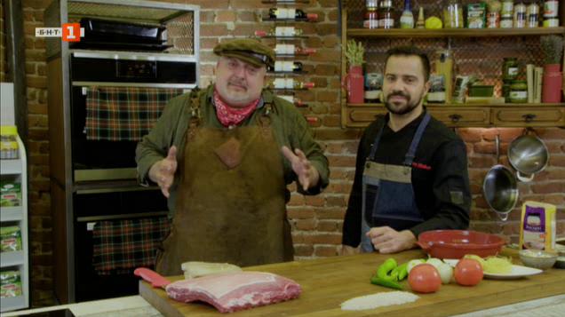 Крехко свинско на грил и ориенталски пилаф с фиде и кашу