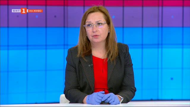Зорница Русинова: Още от първите дни на кризата работим в подкрепа на хората