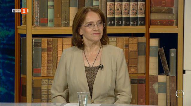 Елена Алекова представя стихосбирката си Псалтир за всеки ден