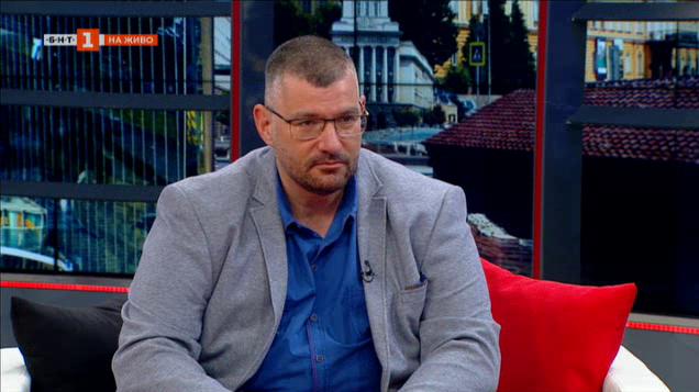 Проф. Момеков: Болниците лекуват пациентите с коронавирус с поддържаща терапия