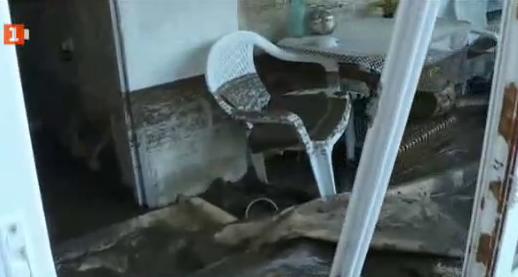 Ветрино ще търси помощ от държавата за възстановяването след приливната вълна