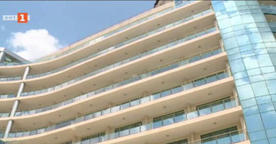 Почти половината от хотелите в Златни пясъци са вече отворени за туристи