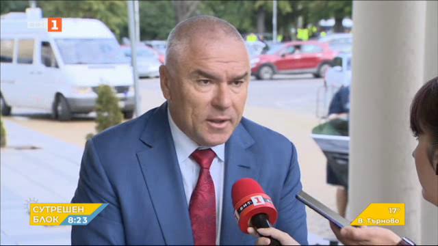 Веселин Марешки: По-добре да си подават оставките всички