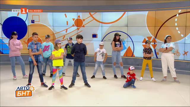 Среща със Зорница Петрова и малките танцьори от DIVA ZONE
