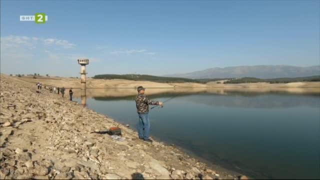Риболовът на шаран и опазването на водоемите от бракониери