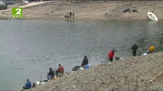 Време за губене – 8 март 2014: Зимен риболов на уклей и скобар и турнир по риболов на фидер