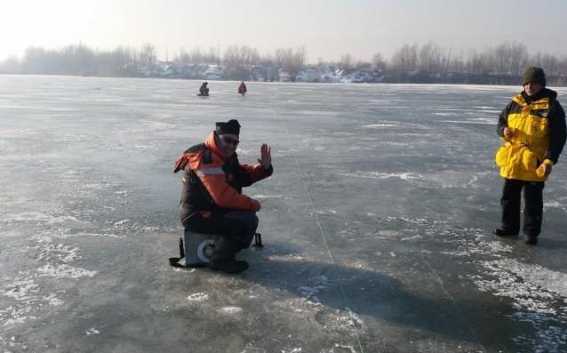 С въдица върху леда