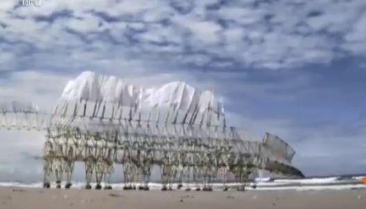 Тео Янсен и неговите скулптури за едно по-чисто и смислено бъдеще